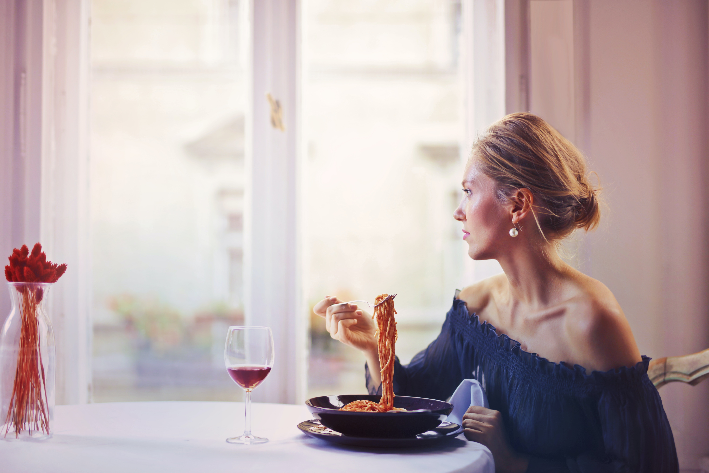 Excès alimentaires : 5 raisons qui me poussent à trop manger
